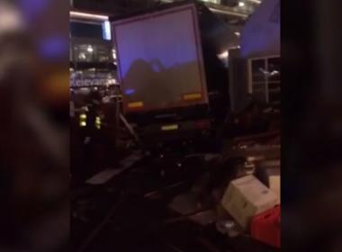 Sobe para 12 número de mortos após caminhão invadir Feira de Natal em Berlim