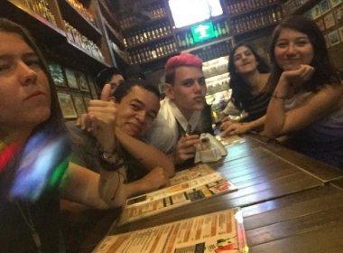 Jovens devolvem iPhone 6 perdido em ônibus depois de tirarem fotos com o aparelho