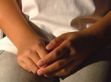 Mulher é presa suspeita de estuprar e tortura a própria filha no Rio de Janeiro