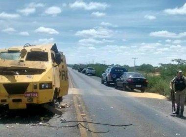 Quadrilha explode carro-forte na BA-052 em Itaguaçu da Bahia