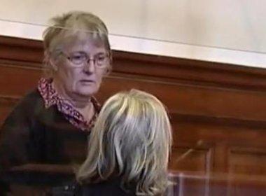 Presidente da França perdoa mulher condenada por matar marido que a violentou por 47 anos