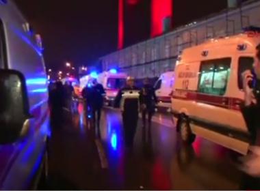 Homem atira contra público de clube em Istambul e deixa ao menos 39 mortos