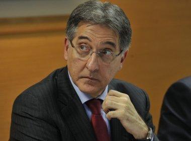 Pimentel diz que não há 'nada ilegal' em usar helicóptero do Estado para buscar filho