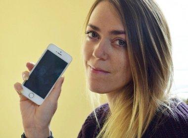 Mulher compra celular novo e encontra contatos de Adele e outros famosos