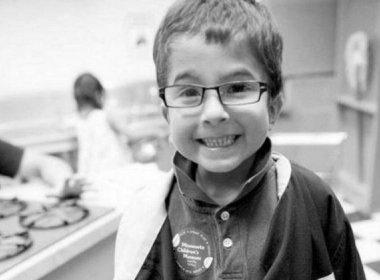 Menino de 7 anos morre após pais rezarem ao invés de levá-lo ao hospital