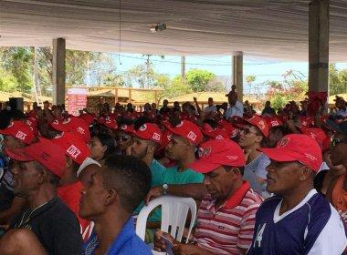 Em encontro do MST, participantes declaram apoio em boné: 'Estamos com Lula'