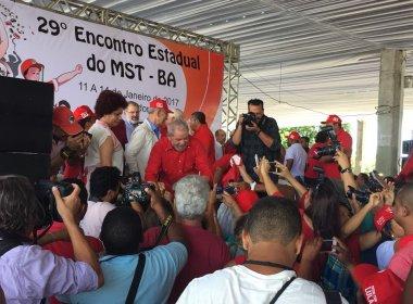 Lula chega a encontro nacional do MST; Falcão aposta em presidência do PT e do Brasil