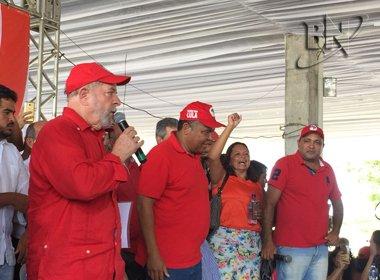 Lula pede a Deus que 'apareçam outras pessoas', mas diz que rodará o país em 2017
