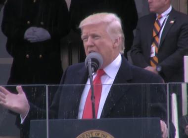 Donald Trump toma posse como 45º presidente dos Estados Unidos