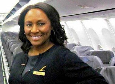 Comissária de bordo salva menina vítima de tráfico humano durante voo