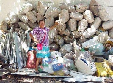 Mãe junta 300 kg de latinhas para realizar sonho de filho que queria estudar na Europa