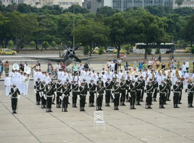 Temer autoriza uso das Forças Armadas para auxiliar policiamento no Rio de Janeiro