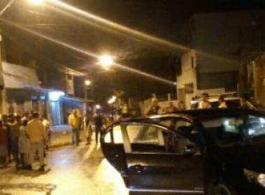 Lauro: Três homens são retirados de carro e mortos em via pública