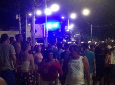 Léo Santana atrasa saída no Furdunço e provoca confusão em 'fila'