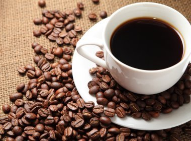 Por causa de escassez, Brasil importará 1 milhão de sacas de café