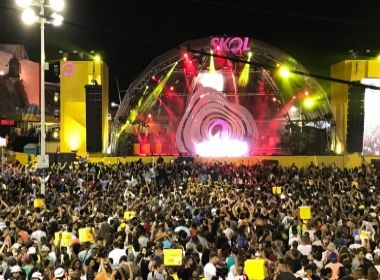 Duelo de DJs movimenta palco localizado no Farol da Barra