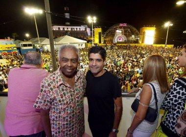 ACM Neto e Gilberto Gil acompanham shows de prévia do Carnaval no Farol da Barra