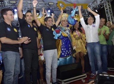 Rei Momo recebe chave da cidade e abre oficialmente o Carnaval de Salvador