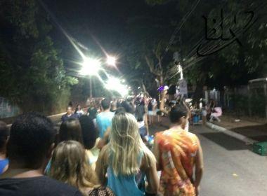 Foliões encaram filas para chegar ao circuito Dodô por conta de revista da PM
