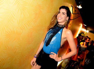 Influencer, Camila Coutinho aposta em look confortável para o Carnaval: 'Sem salto'