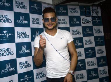 Israel Novaes explica estratégia pra montar repertório e conta porque apostou em Santinha