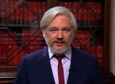 Assange oferece ajuda a Google e Apple contra espionagem da CIA