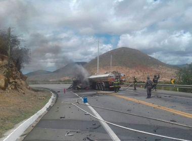 Pelo menos três pessoas morrem em batida entre carro e caminhão-tanque na BR-116
