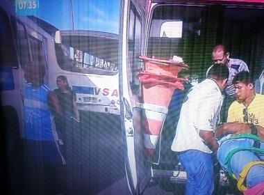 Dois ônibus colidem no Vale dos Barris; ao menos cinco ficam feridos