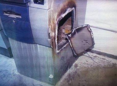 Simões Filho: Quadrilha invade Sudic e rouba caixa eletrônico