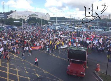 Manifestantes ampliam ocupação de vias; sindicatos querem protesto até as 12h