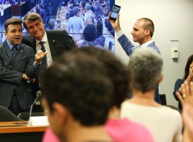 Deputados Marco Feliciano e Jair Bolsonaro devem deixar PSC, diz jornal