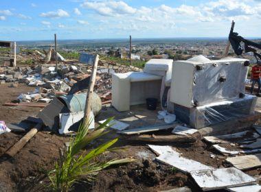 Moradores acusam prefeitura de destruir 100 barracos de comunidade