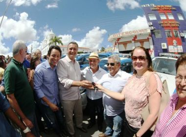 Rui entrega viaturas para 16 municípios durante passagem por Cícero Dantas