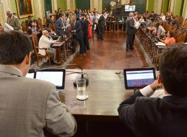 Demissão de terceirizados ensaia tensão na base de ACM Neto na Câmara de Salvador