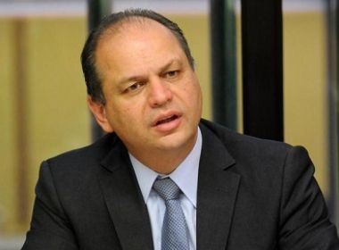 Comissão de Ética adverte ministro da Saúde por infração durante campanha eleitoral
