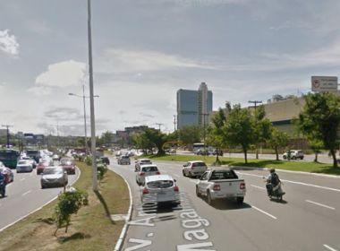 Protesto por moradia popular reúne grupo na ACM; trânsito flui normalmente