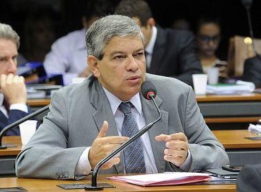 Projeto de lei prevê uso de recursos do Imposto de Renda para financiar partidos