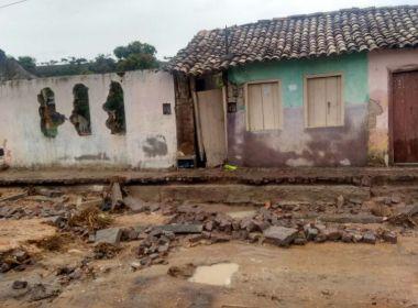 Tromba d'água e inundações deixam 94 famílias desabrigadas em Lajedinho