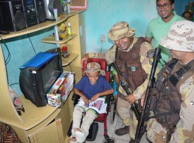 Policiais realizam festa de aniversário para criança com doença rara em Laje