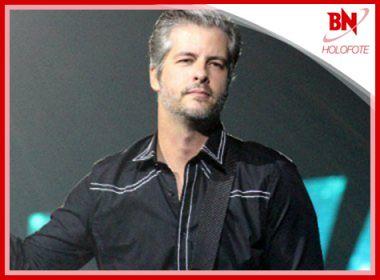 Desabafo de cantor Victor sobre inquérito é destaque na coluna Holofote