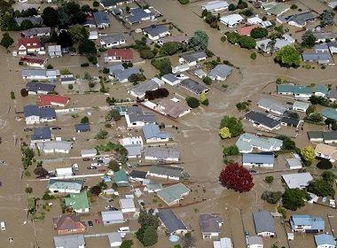 Ciclone obriga cerca de quatro mil pessoas a abandonarem suas casas na Nova Zelândia
