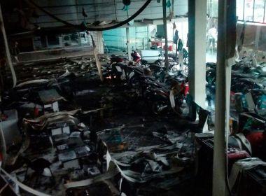 Incêndio atinge concessionária Honda Novo Tempo e provoca danos em mais de 80 motos
