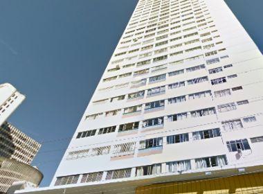 Mãe joga bebê do 5º andar de prédio logo após parto e diz que não sabia da gravidez
