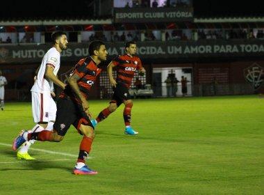 Dentro de casa, Vitória perde para o Paraná e se complica na Copa do Brasil