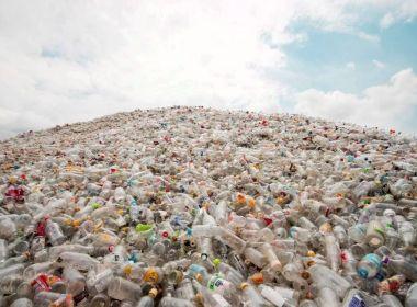 Montanha de lixo desaba e mata 19 pessoas no Sri Lanka