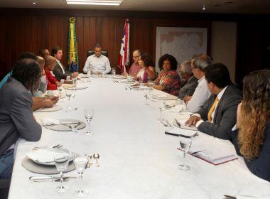 Rui Costa se encontra com bancada de oposição na Câmara em almoço na governadoria