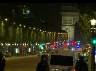 Tiroteio na Champs-Élysées, em Paris, mata policial e suspeito de ataque