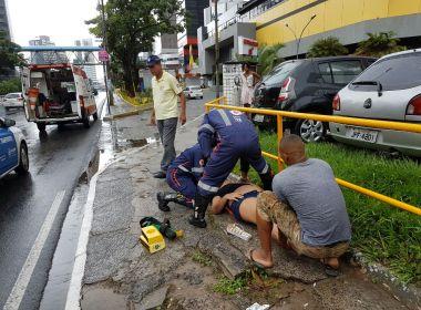 Mulher é atropelada por ônibus na Av Tancredo Neves após discussão com namorado