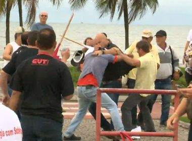 Ciclista é agredido em Vitória depois de xingar participantes de protesto; assista