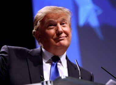 'Vocês têm agora um amigo na Casa Branca', diz Trump a defensores de armas